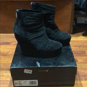 Boutique 9 black suede booties